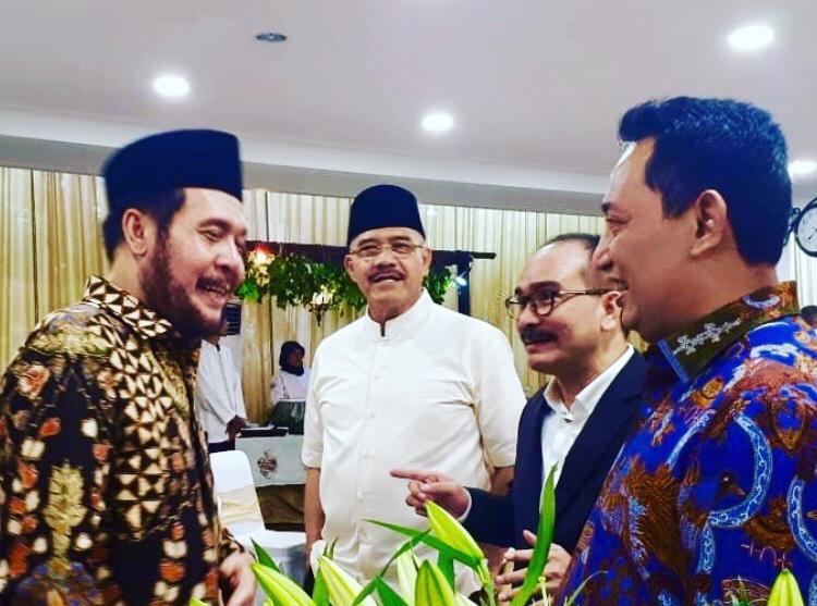 Ket foto : Dari kiri ke kanan Ketua Mahkamah Konstitusi RI Anwar Usman, mantan Ketua Mahkamah Agung RI H.M. Hatta Ali, Firman Jaya Daeli, dan Listyo Sigit Prabowo (calon tunggal Kapolri) saat pertemuan tamu persahabatan.